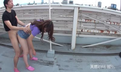 Japanese woman with small Tits eagerly Fucks on the roof of a tall building