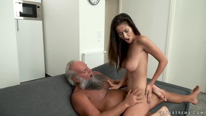 Смотреть порно дед в теле