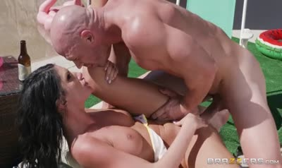 Commercial shoot ended in passionate sex